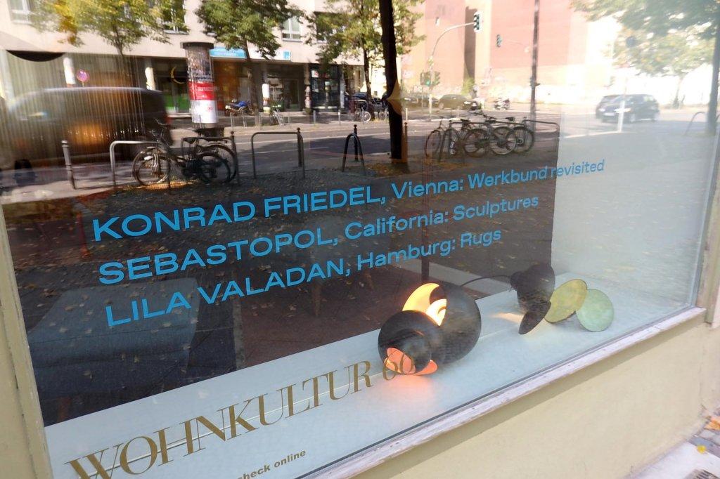 EXHIBITION GALLERY WEEKEND BERLIN 2020: Konrad Friedel, Vienna: Werkbund revisited - Sebastopol, California: Sculptures - Lila Valadan, Hamburg: Rugs