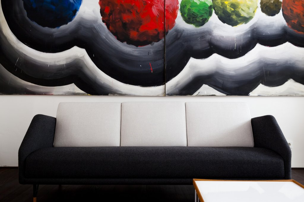 53 Sofa, 1953 - Andreas Schulze: o.T. (Balls), 1987