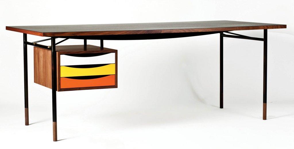 Nyhavn Desk, 1945