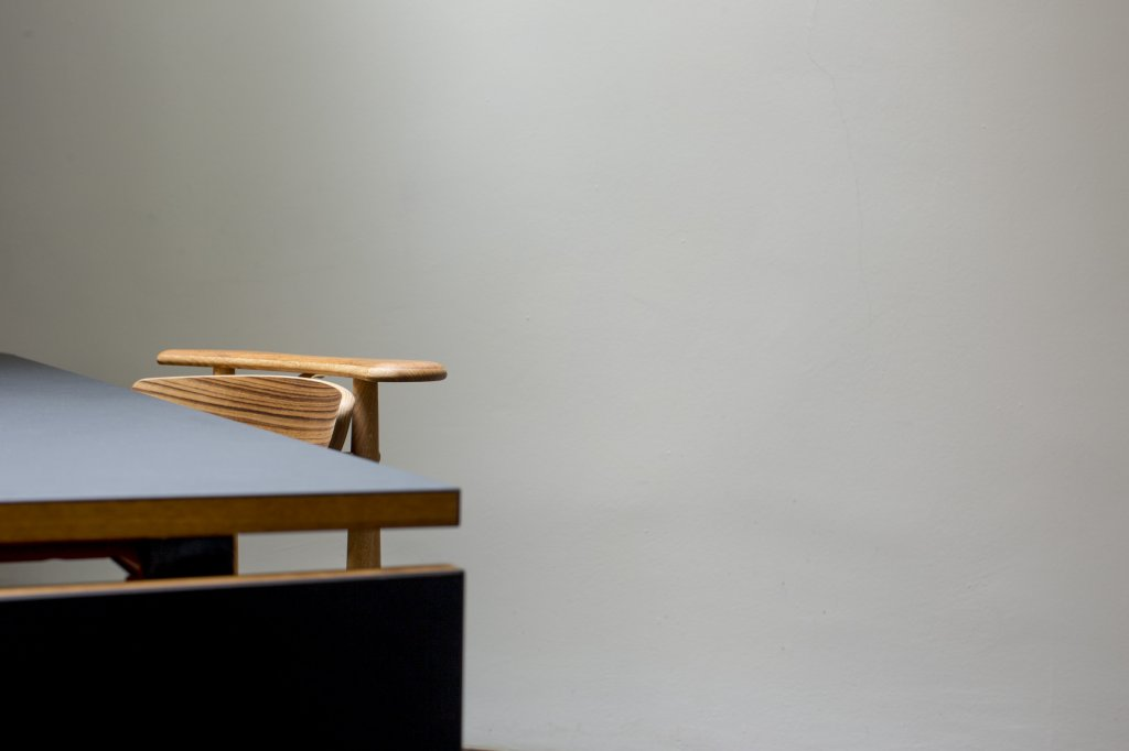 Reading Chair, 1953 + Nyhavn Dining Table, 1953