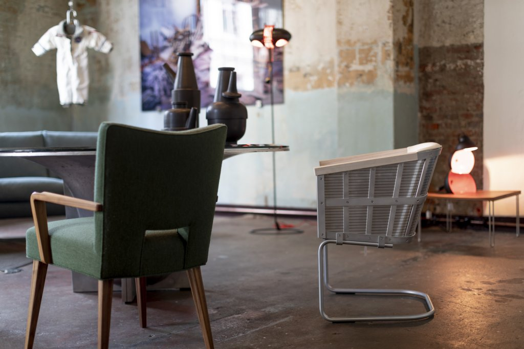 Armstrong chair, 2019, aluminium, leather seat, limited edition of 200 copies, produced by Källemo, designed by Mats Theselius