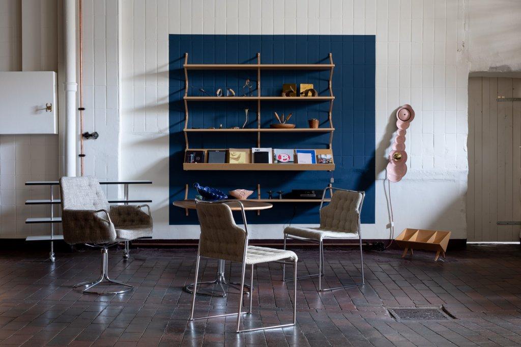 fltr: Stories Table with wheels, Mi1150, 1943 - Armchair Milton, Mi441, 1975 - Chair Mia, Mi405, 1972-1973 - Column base table, Mi611, 1986 - Bookshelf, Mi1050, 1943 - Book-crib, Mi1200, 1941